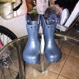 Crocs kid rain boots size C6